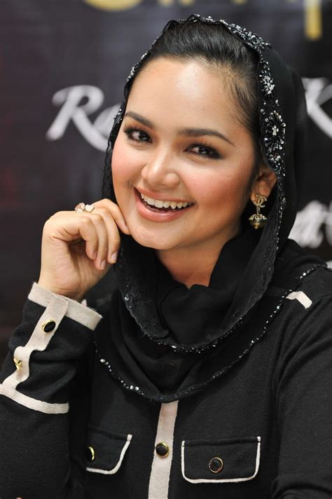 Best Siti 25 Best Ideas About Siti Nurhaliza On