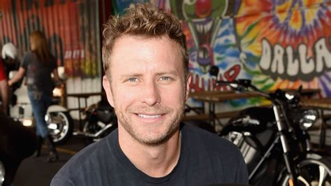 Dierks Bentley Makes Every Mile A Memory · Nashvillegab