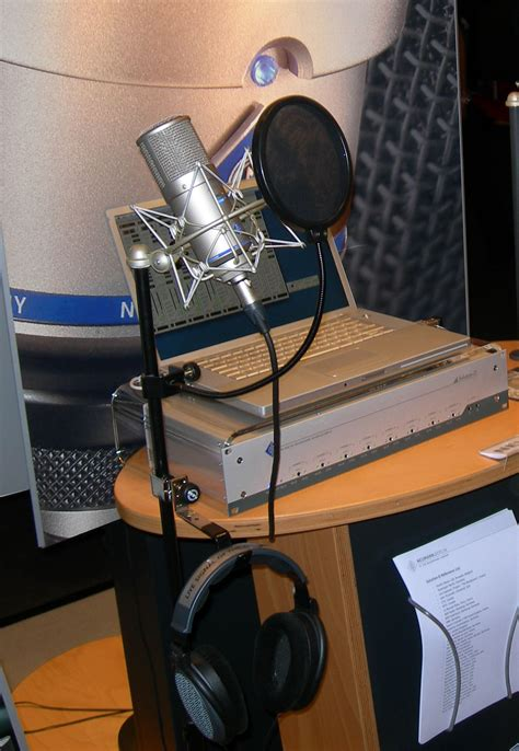 podcasting microphones search engine journal