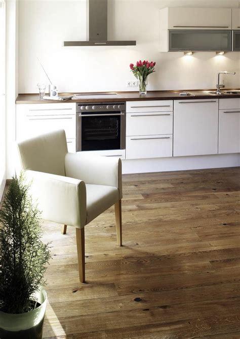 parquet flottant dans une cuisine parquet dans cuisine photo parquet dans cuisine u0027