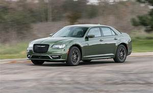 2018 Chrysler 300 In Depth Model Review Car And Driver