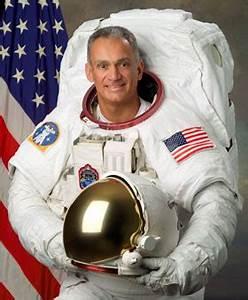 NASA - Astronaut job: Icing on the Cake