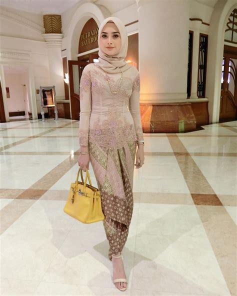 pin  wahyu fitri  gaya hijab kebaya kebaya muslim