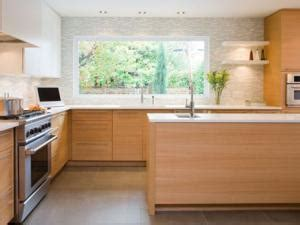 couleur mur cuisine bois quelle couleur aux murs avec une cuisine en bois clair par carnet deco