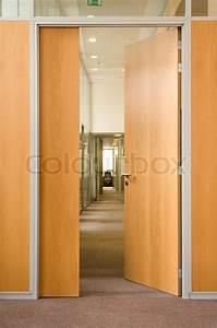 Open Office Summe Berechnen : die offene t r in einen langen korridor in dem anderen offenen t ren in b ro center sind ~ Themetempest.com Abrechnung