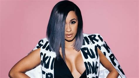 cardi b what was the reason twitter cardi b vows to do better reveals reason behind her stage