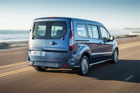 ford transit wagon 2019 ford transit connect wagon debuts in chicago the