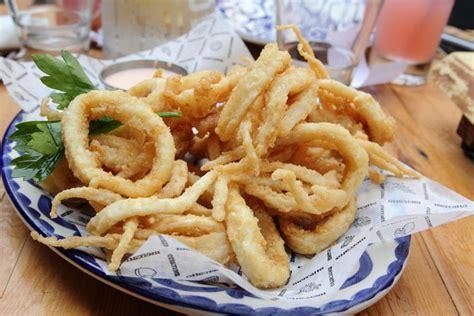 la cuisine italienne recettes la recette des calamars frits à la romaine la cuisine
