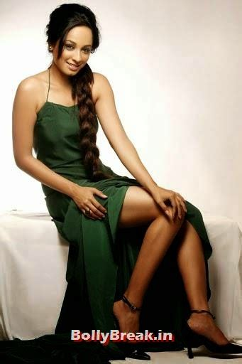 Ansha Sayed Hot Photos Insepector Purvi From Cid 3 Pics