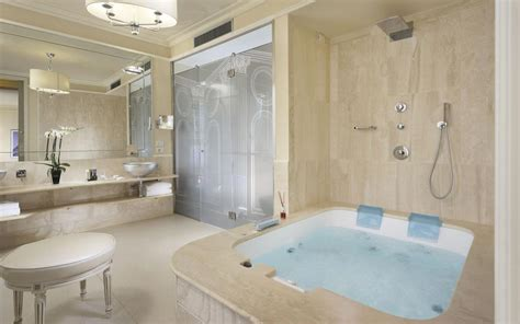 suite  private jacuzzi  florence italy
