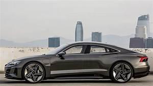 Audi E Tron Gt : photo comparison audi e tron gt concept vs bmw i vision dynamics ~ Medecine-chirurgie-esthetiques.com Avis de Voitures