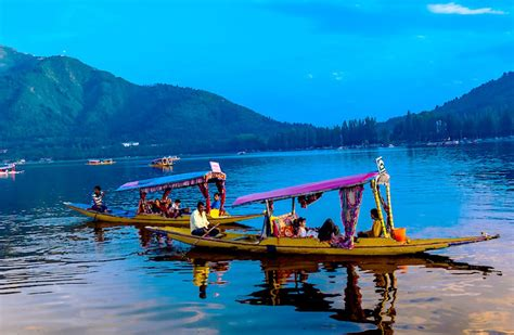 Houseboat Dal Lake by Dal Lake Facts Information Beautiful World Travel Guide