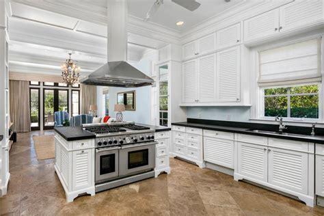 freestanding kitchen island freestanding kitchen islands pictures ideas from hgtv