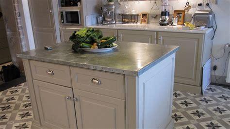 plan de travail en zinc pour cuisine plan de travail en zinc bonne ou mauvaise idée