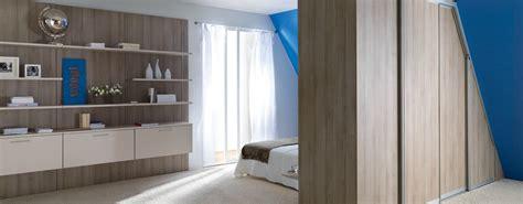meubles de cuisine rangement mural de chambre en bois photo 14 15 très beau rangement cloisonnant accompagné