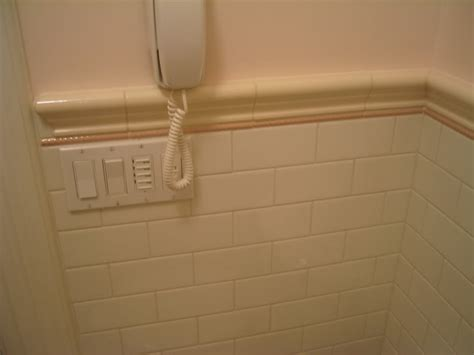 chair rail tile inside corner bathroom