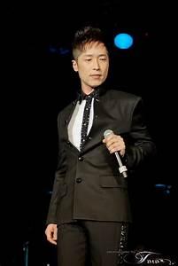 Steven Ma Chun Wai  U99ac U6d5a U5049 Fanblog   Updated 9  4  2013  Steven Ma Holds Us Concerts  Hand  U0026 39 See U0026 39  Red
