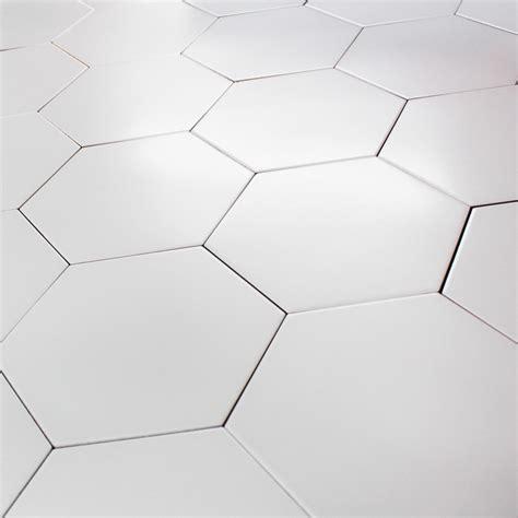 faience de cuisine carrelage hexagonal blanc sol et mur parquet carrelage