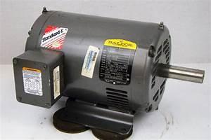 Baldor Electricric Motor   5hp  230  460v  6 9a  3 5 U0026quot X1 113 U0026quot  Shaft  Phase 3  Clas