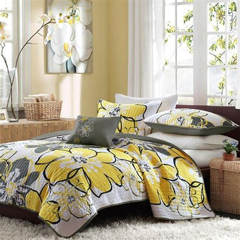 Yellow Coverlets by 20 Yellow Duvet Sets For A Happy And Gaiety Bedroom Home