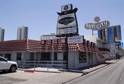 M&M Soul Food Cafe at 2211 S Las Vegas Blvd