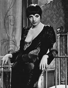 File:Liza Minnelli Cabaret 1972 crop.JPG