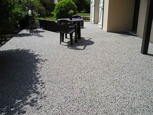 Moquette Exterieur Grise : terrasse pierre et resine nos conseils ~ Edinachiropracticcenter.com Idées de Décoration