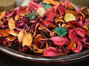 Aromatic Potpourri With Dried Flowers - Boldsky com