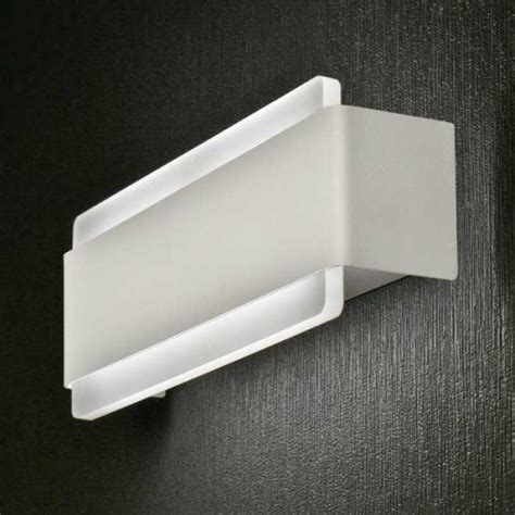 Applique Doppia Emissione by Applique Doppia Emissione Led Venere Promoingross