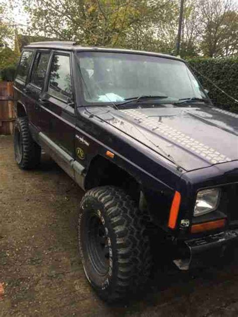 jeep  cherokee td sport blue   road diesel car