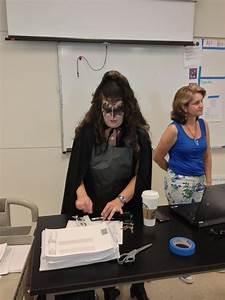 I Dress Up : look teacher dresses up in awesome kiss costume on 39 dress like a rockstar day 39 update huffpost ~ Orissabook.com Haus und Dekorationen