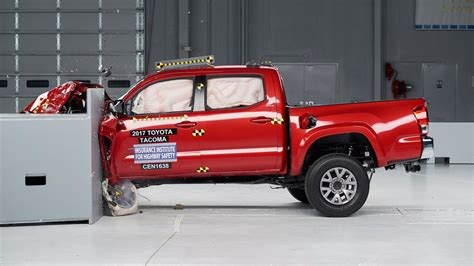 Four Mid Size Pickups Earn Good Safety Ratings From Iihs