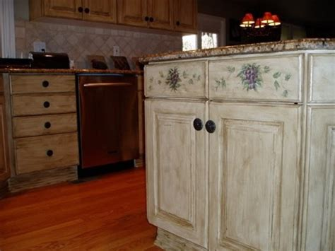 kitchen cabinet painting ideas that accent your kitchen