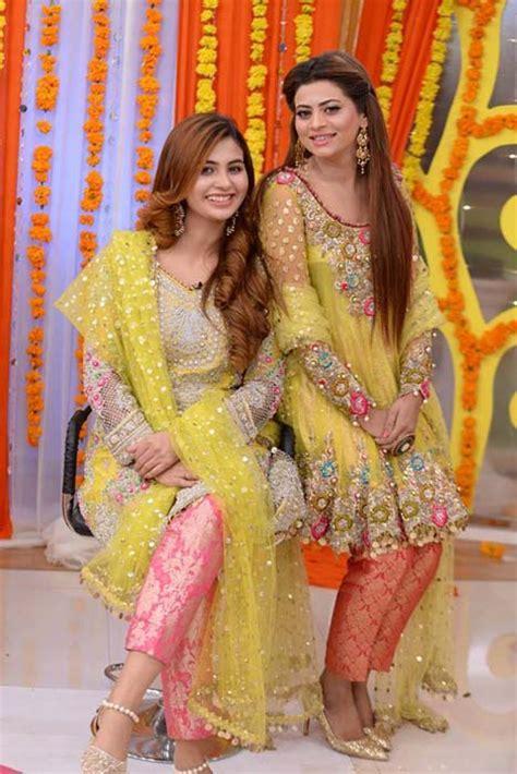 Latest Pakistani Bridal Mehndi Dresses 2018 for Brides 1
