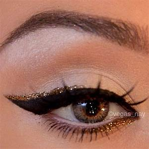 A fun Holiday party eye makeup combo! Gold glitter + black ...