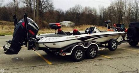 Ranger Bass Boat Warranty by 25 Best Ideas About Bass Boats For Sale On
