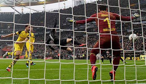 Verfolgen sie alle highlights zwischen borussia dortmund und eintracht frankfurt hier im liveticker. Eintracht Frankfurt - Borussia Dortmund 1:1: BVB patzt bei ...
