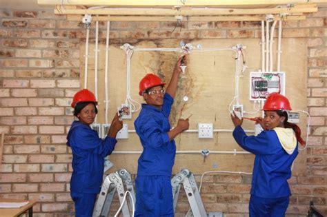Install Wire Ways Pvc Conduit Basic House Wiring