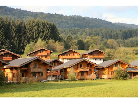 Les Chalets Du Bois De Champelle (morillon) > Dès 250. Tenuta Corigliano Hotel. Marriott Chicago At Medical District Hotel. Hotel Gran Ultonia. Taj Bengal. Thanda Vista B&B. The Sydney Boulevard Hotel. Oceano Hotel And Spa Half Moon Bay  Harbor. Palm Beach Resort And Spa
