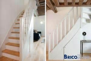 Vitrifier Escalier Sans Poncer by R 233 Nover Un Escalier En Bois Vernis Trop Fonc 233