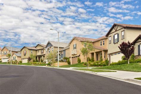 rich  real estate  warren buffett