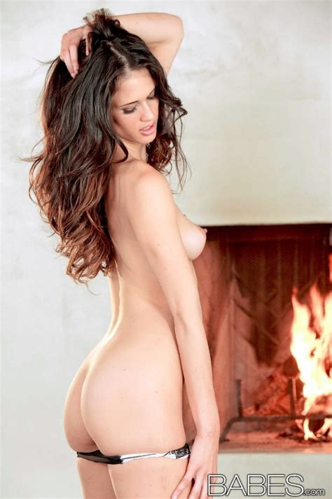 Gorgeous Tiffany Thompson Masturbates At The Fireplace Babes Nude Girls Erotica Naked