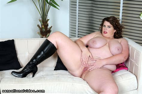 Pornstar Lisa Sparxxx Gets Her Boots Licked Pichunter