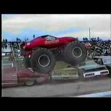 monster trucks you tube videos its monster trucks you knuckleheads youtube