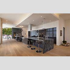 Küche Mit Marmorarbeitsplatte In Dunkelgrau Granit