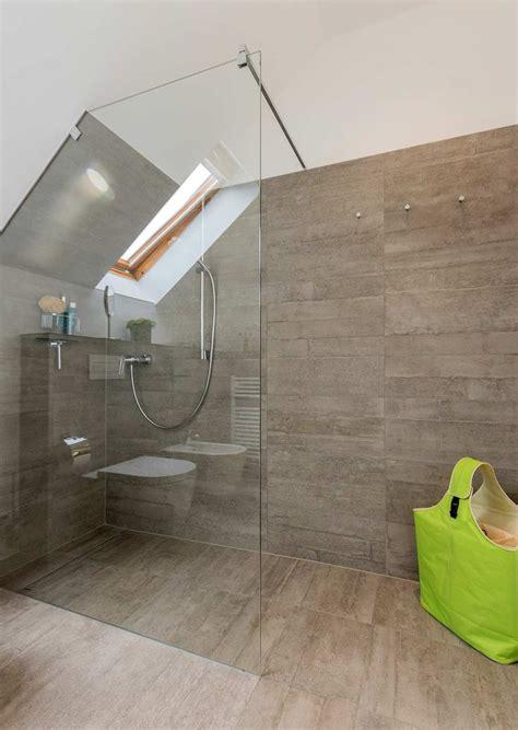 dusche unter dachschräge 47 besten kleine b 228 der mit dachschr 228 ge bilder auf innenarchitektur badezimmer und