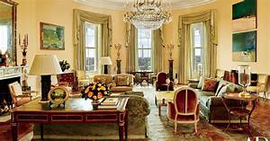 See the Obamas' White House private quarters for the first