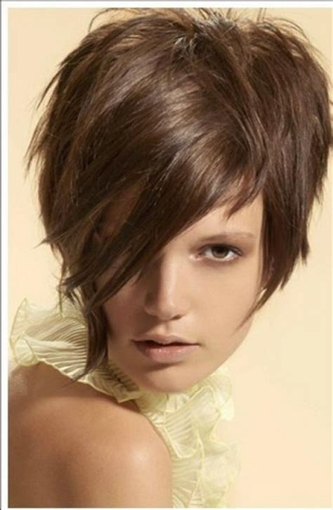 Pixie Hairstyles With Bangs by Pixie Haircut With Bangs