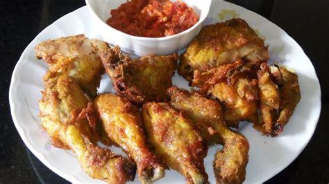 Berikutnya siapkan daging ayam yang sudah digiling dan campurkan dengan adonan pertama tadi. Resep Ayam Goreng Tulang lunak - YouTube
