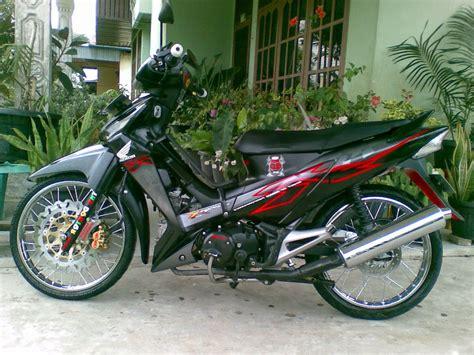 Foto Motor Supra X 125 by Koleksi Foto Modifikasi Motor Supra X Lama Terlengkap